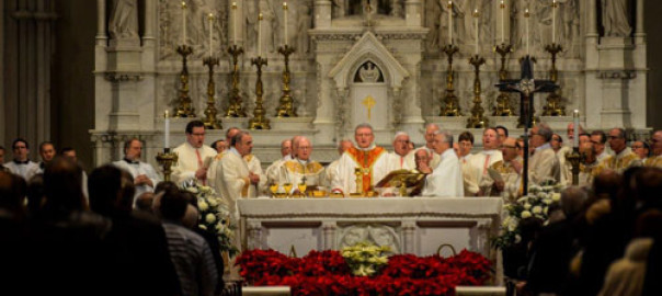 Bishop David Zubik and his brother bishops, priests and deacons celebrate the Mass of Gratitude with campaign volunteers at St. Paul Cathedral, Jan. 25, 2015. Credit: Jim Judkis