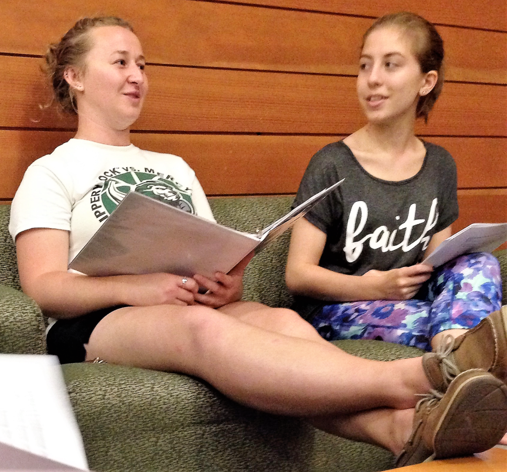 Kailyn Soros, left, shares insights with Maria Petrarca. Photo credit: Rebecca Feldkamp, FOCUS.